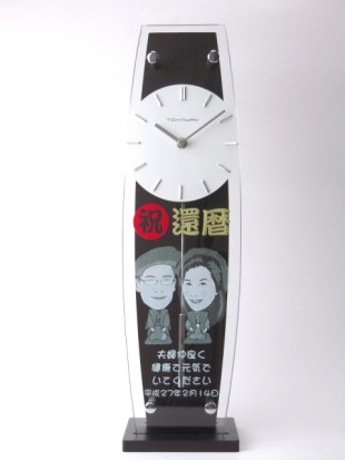 似顔絵入りの掛け時計