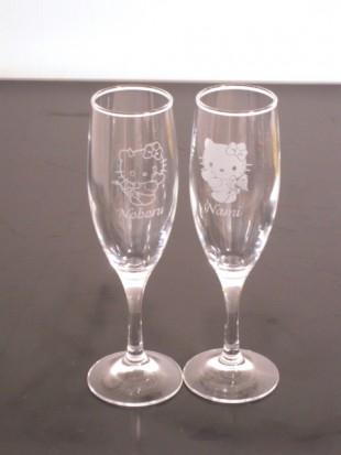 結婚祝いのキティペアグラス